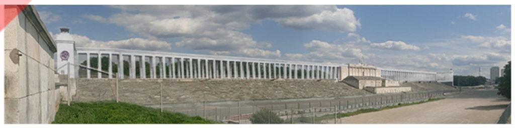 Zeppelintribüne-144-Säulen-Panorama-Kolonnaden-1967-Sprengung-Sprengen-Damals-Jetzt-Arno-Breker-Künder-Bereitschaft-Skulpturen-Figuren-vergoldet-geplant-Jetzt-Zeppelin-field-grandstand-Nuremberg-Party-Rally-Grounds-144-columns-blown-up-June-1967-panoramic-view-Then-Now