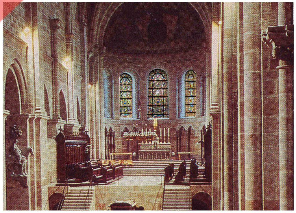 Bamberg-Dom-alte-Glasfenster-romanisch-Georgschor-Osten-Mittelalter-Panorama
