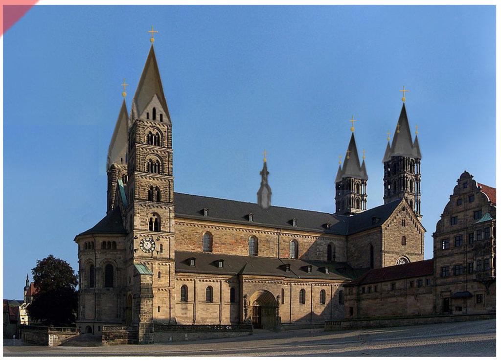Bamberg-Dom-alte-Türme-GRAU-Turmhelme-Dachreiter-Mittelalter-Panorama-Nordseite